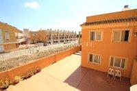 Stunning Top-Floor Riverside Apartment  (18)