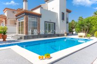 Traditional Spanish Villa with the Wow Factor! (6)