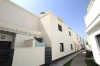 Luxury 3 Bed / 2 Bath Townhouse With Sea Views (31)