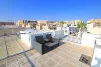 Luxury 5 Bed Property Just 100m from the Beach - Sea Views! (8)