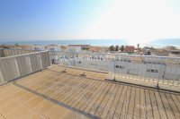 Luxury 5 Bed Property Just 100m from the Beach - Sea Views! (9)