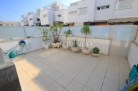 Luxury 5 Bed Property Just 100m from the Beach - Sea Views! (34)