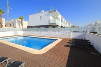 Luxury 5 Bed Property Just 100m from the Beach - Sea Views! (5)