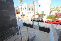Luxury 5 Bed Property Just 100m from the Beach - Sea Views! (38)