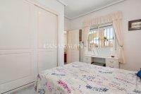 Attractive 3 Bed / 2 Bath South-Facing Villa (11)