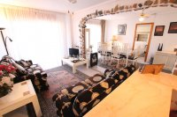 Spacious 3 Bed Apartment with Stunning Views  (12)