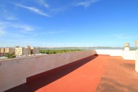 Spacious 3 Bed Apartment with Stunning Views  (22)