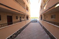 Spacious 3 Bed Apartment with Stunning Views  (24)