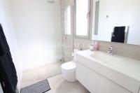 Contemporary 3 Bed / 2 Bath South-Facing Villa  (21)