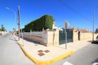 3 Bed / 2 Bath South-Facing Detached Villa with Private Pool  (29)