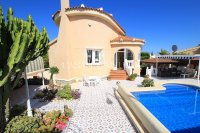 3 Bed / 2 Bath South-Facing Detached Villa with Private Pool  (8)