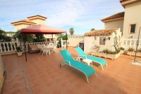 Stylish 3 Bed Villa With An Abundance of Outdoor Space  (7)