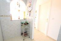 Attractive Top-Floor Apartment with Private Solarium  (15)