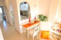 Attractive Top-Floor Apartment with Private Solarium  (16)