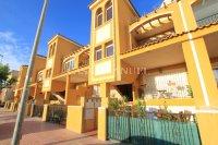 Attractive Top-Floor Apartment with Private Solarium  (22)