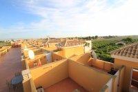 Attractive Top-Floor Apartment with Private Solarium  (19)