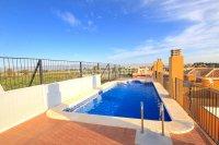 Attractive Top-Floor Apartment with Private Solarium  (20)