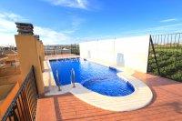 Attractive Top-Floor Apartment with Private Solarium  (4)