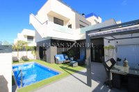 Stunning 3 Bed / 2 Bath Villa with Private Pool (Resale) (7)