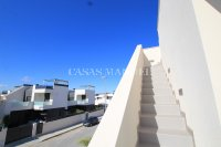 Stunning 3 Bed / 2 Bath Villa with Private Pool (Resale) (33)