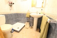 A wonderful 2/3 Bed Townhouse - Central Location (11)