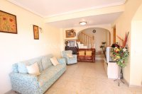 A wonderful 2/3 Bed Townhouse - Central Location (8)