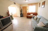 A wonderful 2/3 Bed Townhouse - Central Location (9)
