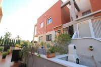 Stylish 3 Bed Townhouse - Sought After Location  (35)