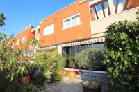 Stylish 3 Bed Townhouse - Sought After Location  (6)