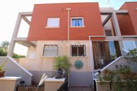 Stylish 3 Bed Townhouse - Sought After Location  (34)