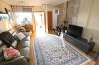 Stylish 3 Bed Townhouse - Sought After Location  (10)