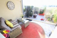 Stylish 3 Bed Townhouse - Sought After Location  (9)
