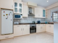 Luxury 4 Bed Villa - Private Pool + Guest Accommodation (18)