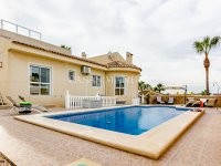 Luxury 4 Bed Villa - Private Pool + Guest Accommodation (6)