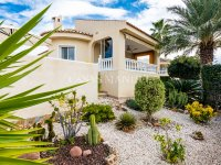 Luxury 4 Bed Villa - Private Pool + Guest Accommodation (5)