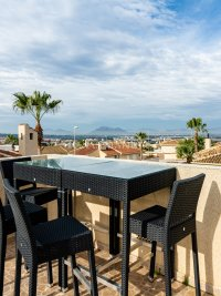 Luxury 4 Bed Villa - Private Pool + Guest Accommodation (13)
