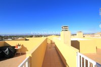 Amazing 3 Bed Apartment with Solarium - Mountain Backdrop (6)