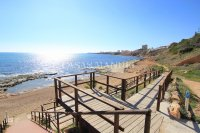 2 Bed Garden Apartment with Sea Views - Frontline Development (0)