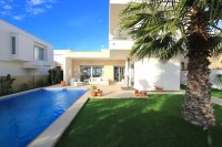 Contemporary 3 Bed Villa with Private Pool (Resale) - Vistabella Golf Resort  (2)
