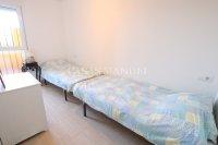 Spacious 2 Bed Garden Apartment With Solarium  (6)