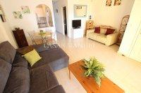 Spacious 2 Bed Garden Apartment With Solarium  (5)