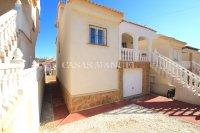 South-Facing Detached Villa with Garage + Sea Views!  (8)