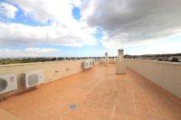 Roomy Top-Floor Apartment - Los Palacios  (18)