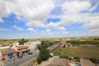 Roomy Top-Floor Apartment - Los Palacios  (4)