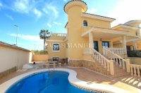 Large 5 Bed / 3 Bath Villa with Private Pool - Corner Plot.  (0)