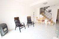 Spacious 2 Bedroom Townhouse - Large Internal Garage  (12)