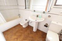 Large 3 Bed / 2 Bath Village Apartment - Corner Aspect  (12)