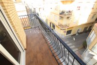Large 3 Bed / 2 Bath Village Apartment - Corner Aspect  (4)