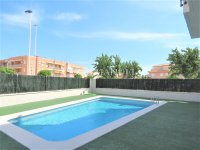 Stunning New Build Apartment  150M from the Beach