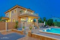 Luxury 5 Bed Villa in Central Quesada (35)